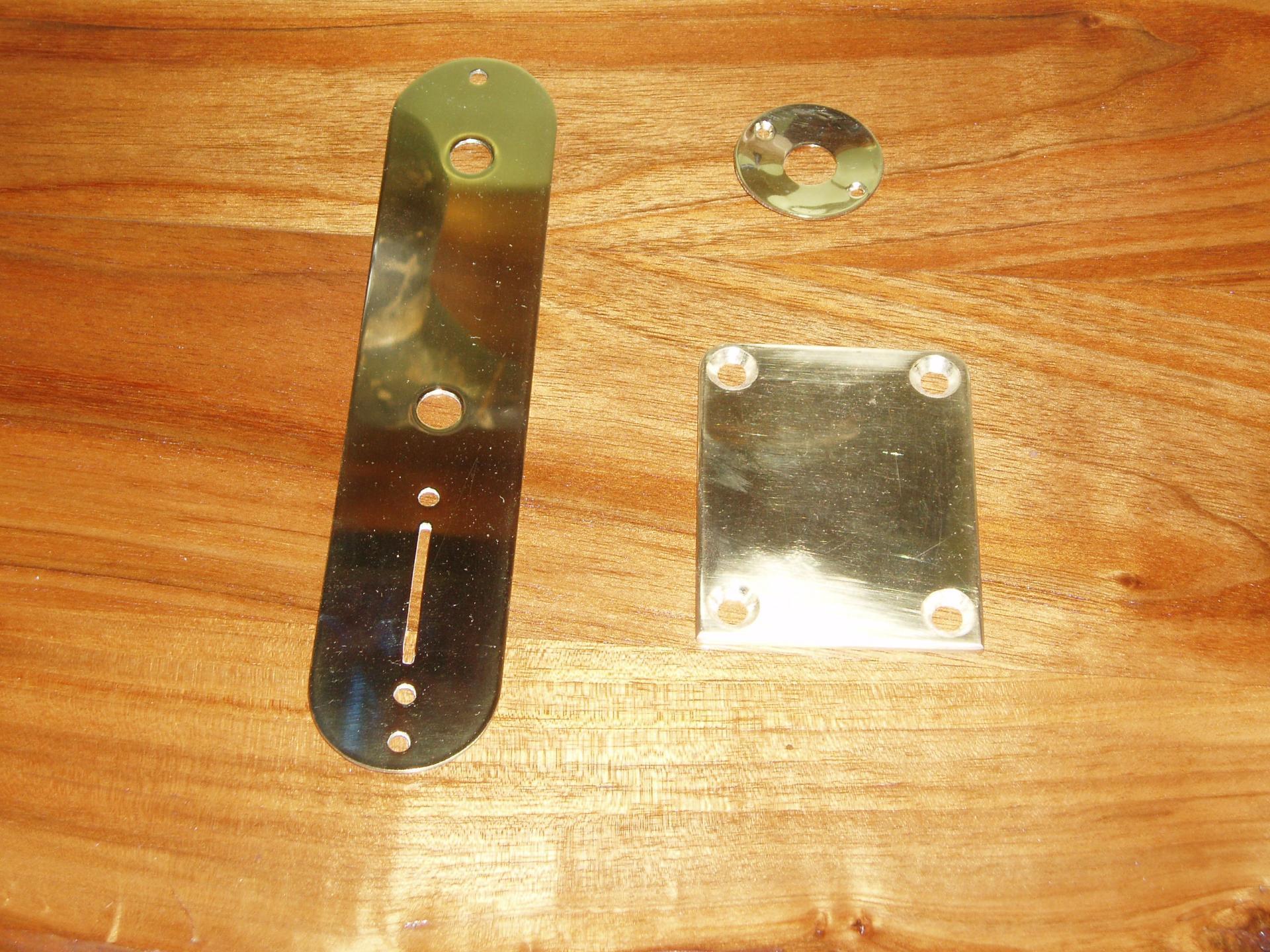 5- Plaques jack, éléctroniques et manche.